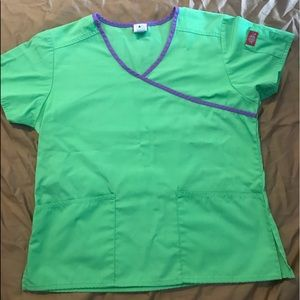 Lime green Scrub Top Size Small. Dickies